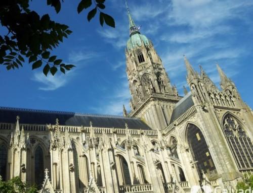 Visitez la Cathédrale et le centre du vieux Bayeux
